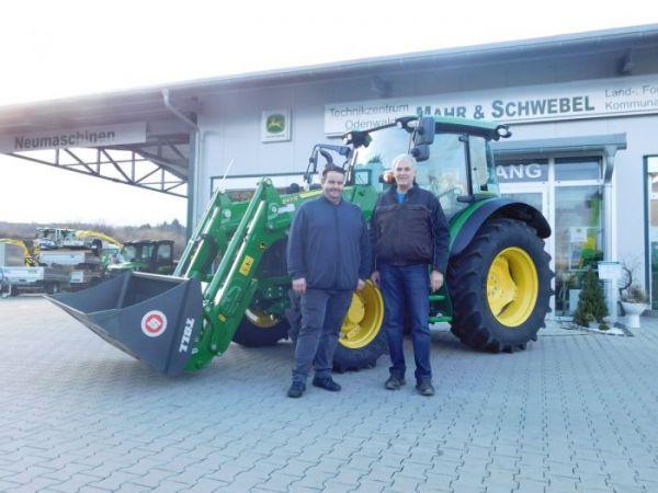Übergabe JOHN DEERE 5090R Traktor