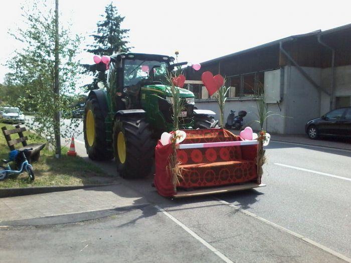6R Traktor in Hochzeitsfieber