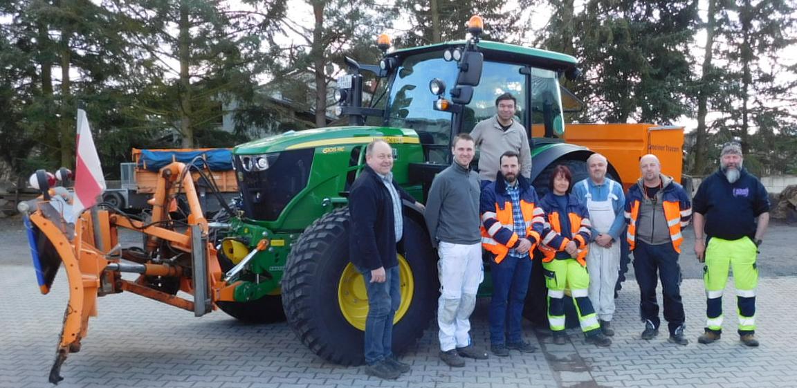Übergabe JOHN DEERE Traktor 6105RC an die Gemeinde Seeheim-Jugenheim