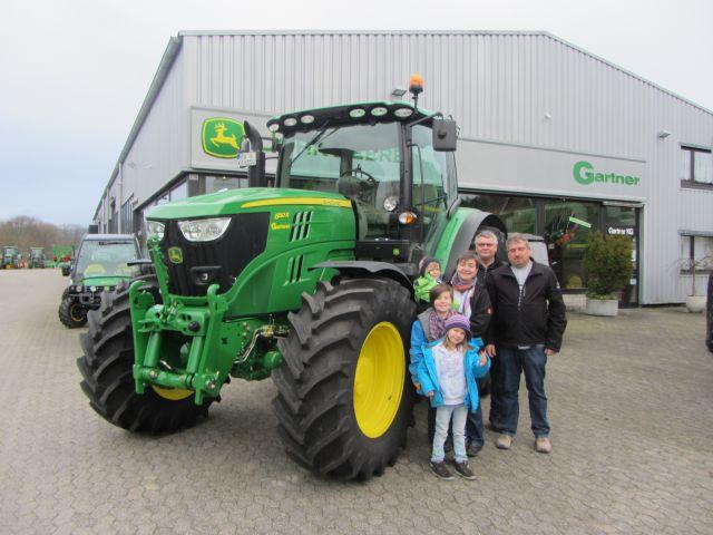 Übergabe eines neun JD Traktors 6150 R an Familie Kautz !!!