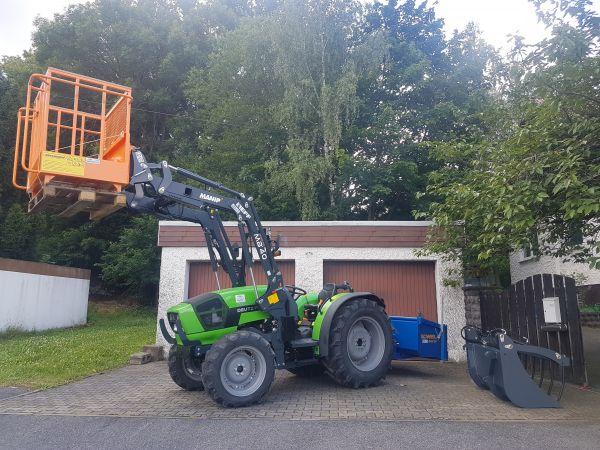 Deutz-Fahr Agroplus F 70 Keyline an die Familie Metzner aus Höfen übergeben