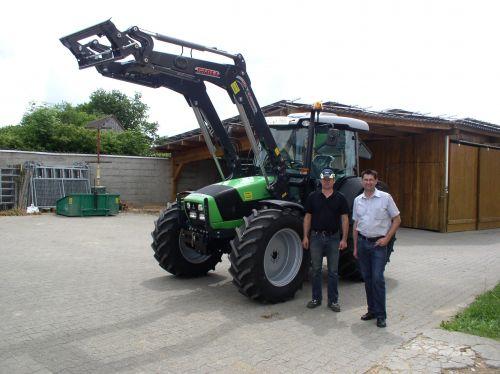3 Traktoren auf einen Streich übergeben an den Pferdehof Amon in Bammersdorf