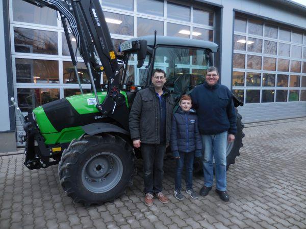 Deutz-Fahr 5080 D Ecoline an die Familie Gröschel aus Wichsenstein übergeben