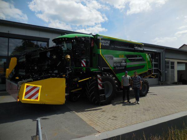 Deutz-Fahr Mähdrescher C 7206 TSB ans Lohnunternehmen LFD-Hofmann übergeben
