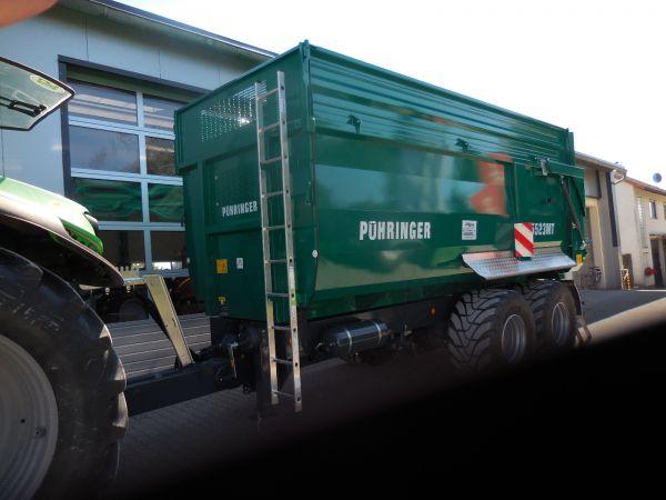 Neuer Muldenkipper Pühringer 5523 MT an Fam. Brütting übergeben