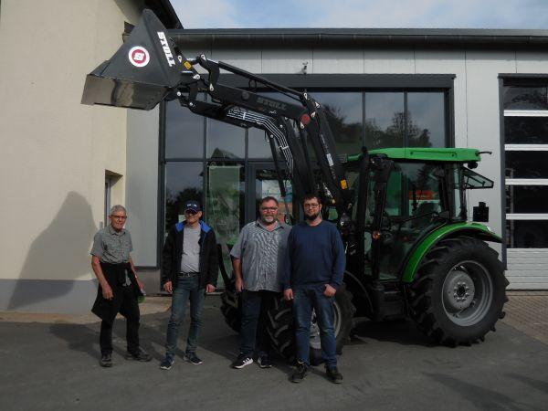 Deutz-Fahr 5080 D Keyline an die Familie Müller aus Pretzfeld übergeben
