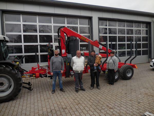 Perzl Rückewagen PRW 8-2 an die Familie Schäfer aus Treppendorf übergeben
