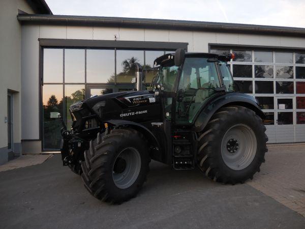 Deutz-Fahr Agrotron 6165 TTV an die Familie Kauper aus Gelbsreuth übergeben
