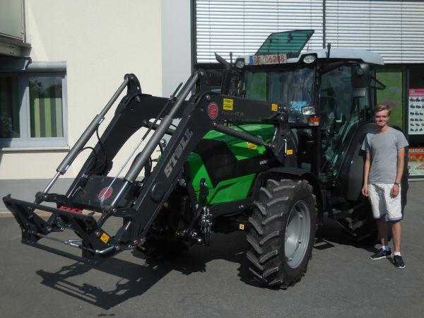 Deutz-Fahr Schlepper 5090.4 D GS an Fam. Herbst aus Dietzhof übergeben