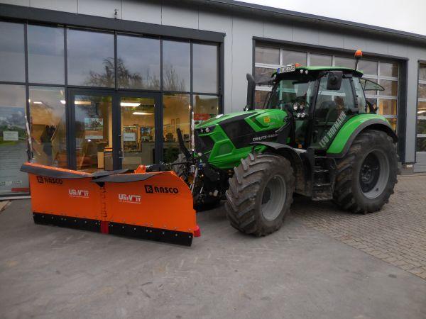 Neuen Deutz-Fahr Agrotron 6155 TTV an LFD Hofmann Kirchahorn übergeben