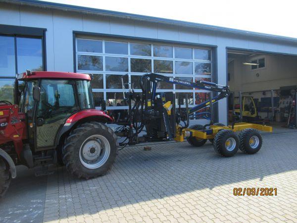 Källefall Rückewagen FB90 + Kran FB63T an Herrn Munsch aus Hollfeld übergeben