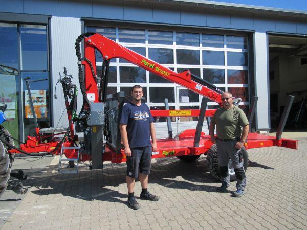 Perzl Rückewagen PRW 6-2 an die Familie Popp aus Wattendorf übergeben