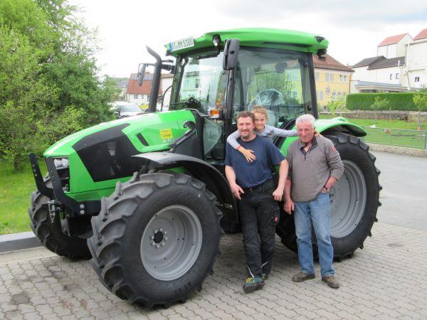 Neuer Deutz Fahr 5100 C GS an Fam. Failner aus Hohenmirsberg übergeben