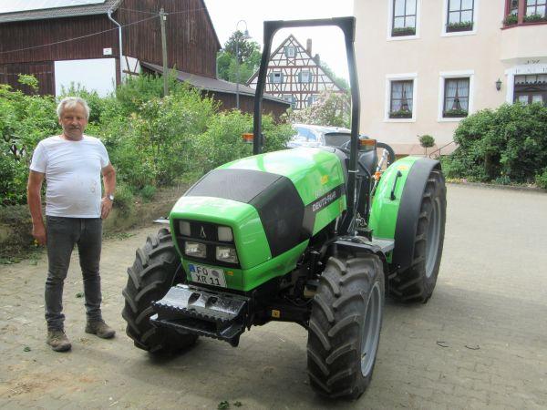 Deutz Fahr Agroplus F 80.4 Keyline an Familie Wagner aus Ebersbach übergeben