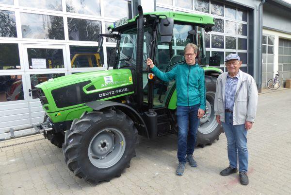 Deutz-Fahr 5070 D Keyline an die Familie Brütting aus Nankendorf übergeben