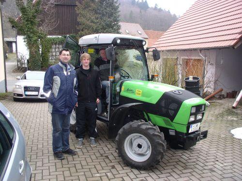Deutz-Fahr Agroplus 410 F an die Familie Sponsel in Wohlmutshüll