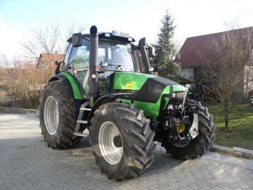 Deutz-Fahr Agrotron M620 an die Familie Stenglein in Breitenlesau übergeben
