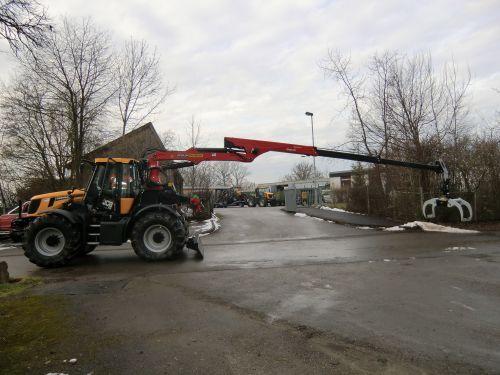 JCB 2155 mit Forstaufbau