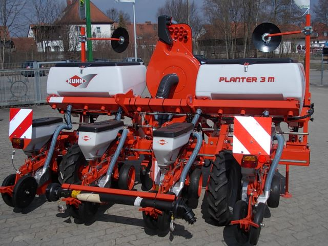 KUHN - MULCHSAAT - MAISSÄGERÄT - Planter 3