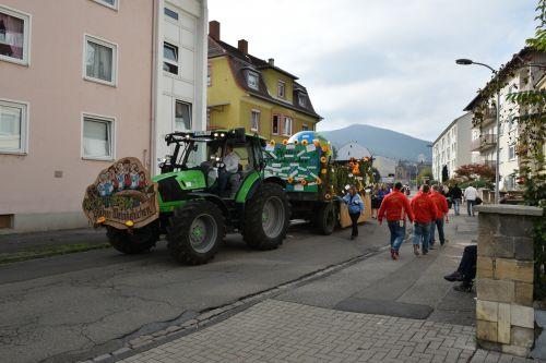 Umzug Deutsche Weinkönigin in Neustadt am 12.10.2014