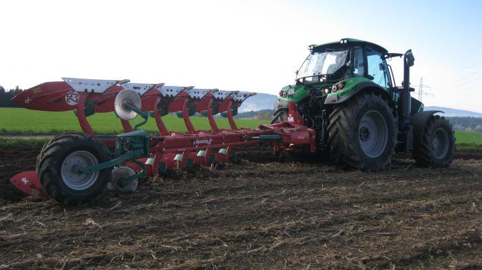 Deutz Agrotron 6155 TTV und Kverneland i- Plough