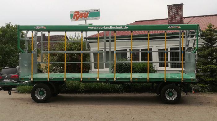 Übergabe Ballentransportwagen Ziegenhof Grimm