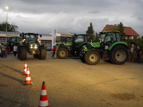 Deutz-Fahr Sehen Testen Fahren am 03.09.2013 in Azendorf