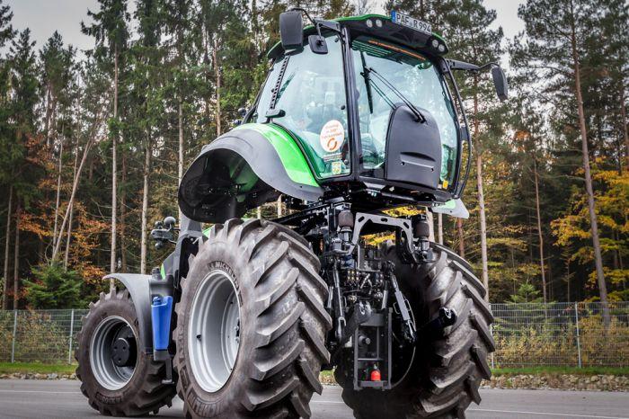 Premiere - liftbare Traktor-Drehkabine auf der Agritechnica 2017
