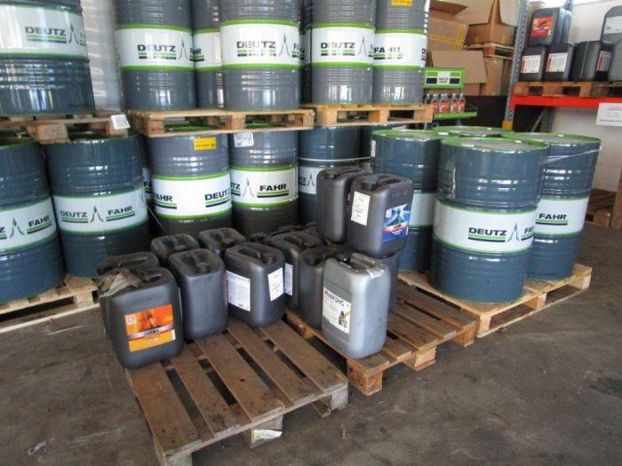 Getriebe - Motoren -  und Sägekettenöle