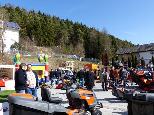 Frühlingsausstellung bei Knoblauch - Wohlgschaft