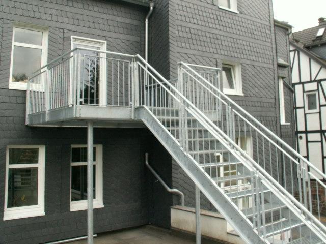 Balkon mit treppe preise: firma erwin klose bilder album balkon ...