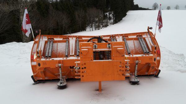 Hydrac Schneepflug U3 320