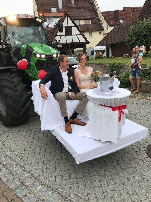 Firma Mayer stellt Hochzeitsauto