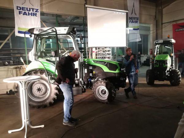 Landmaschinen Mayer stellt exklusiv neuen Schmalspurschlepper vor