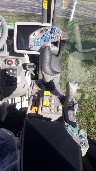 Neuer Schmalspurschlepper 5 DF mit Allradlenkung