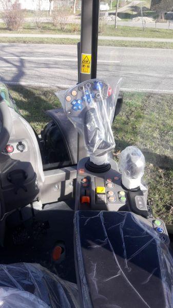 Neues Modell 5 D als Standardschlepper mit stufenlosem Getriebe